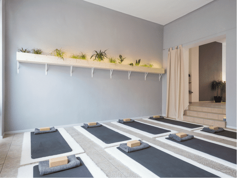 Yoga labor studio inside