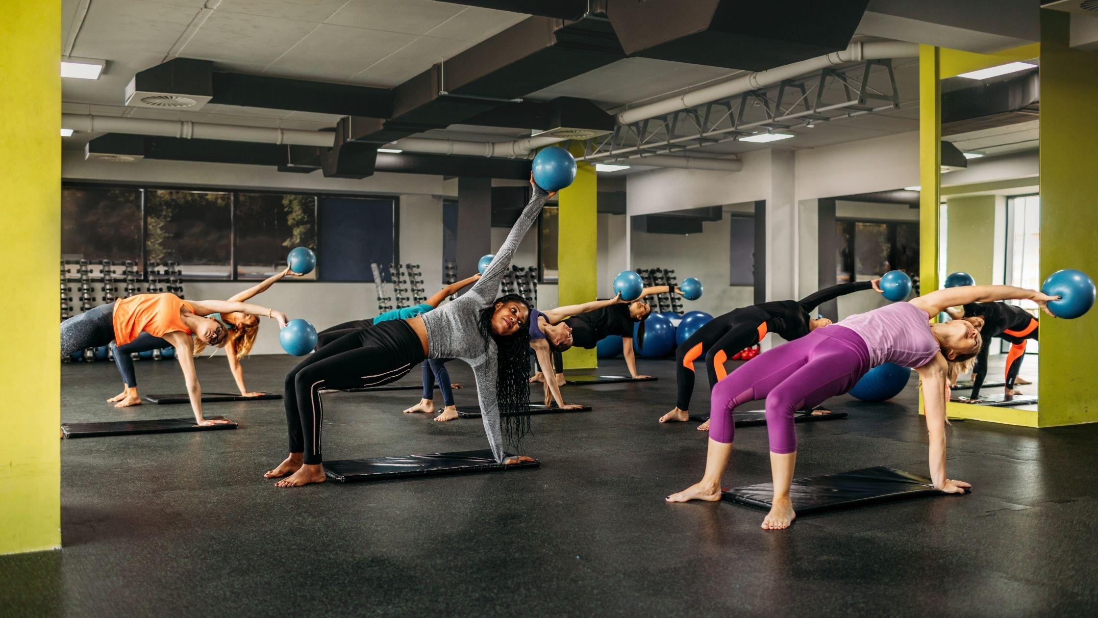Tevreden klanten in pilates studio