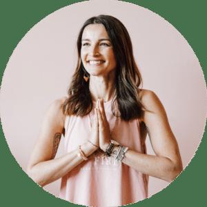 Wanda Badwal - Online Yoga Stunden