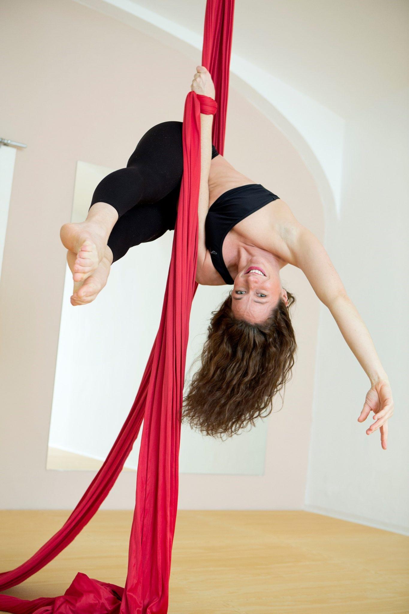Aerial Yoga im Perform