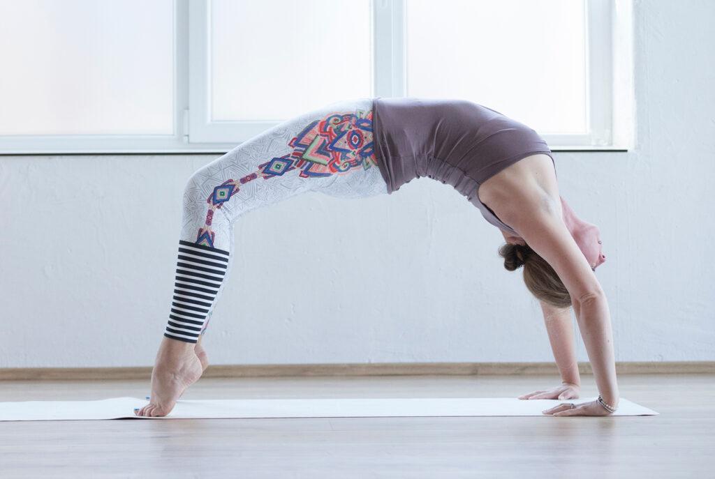 Birgit Pöltl beim Yoga