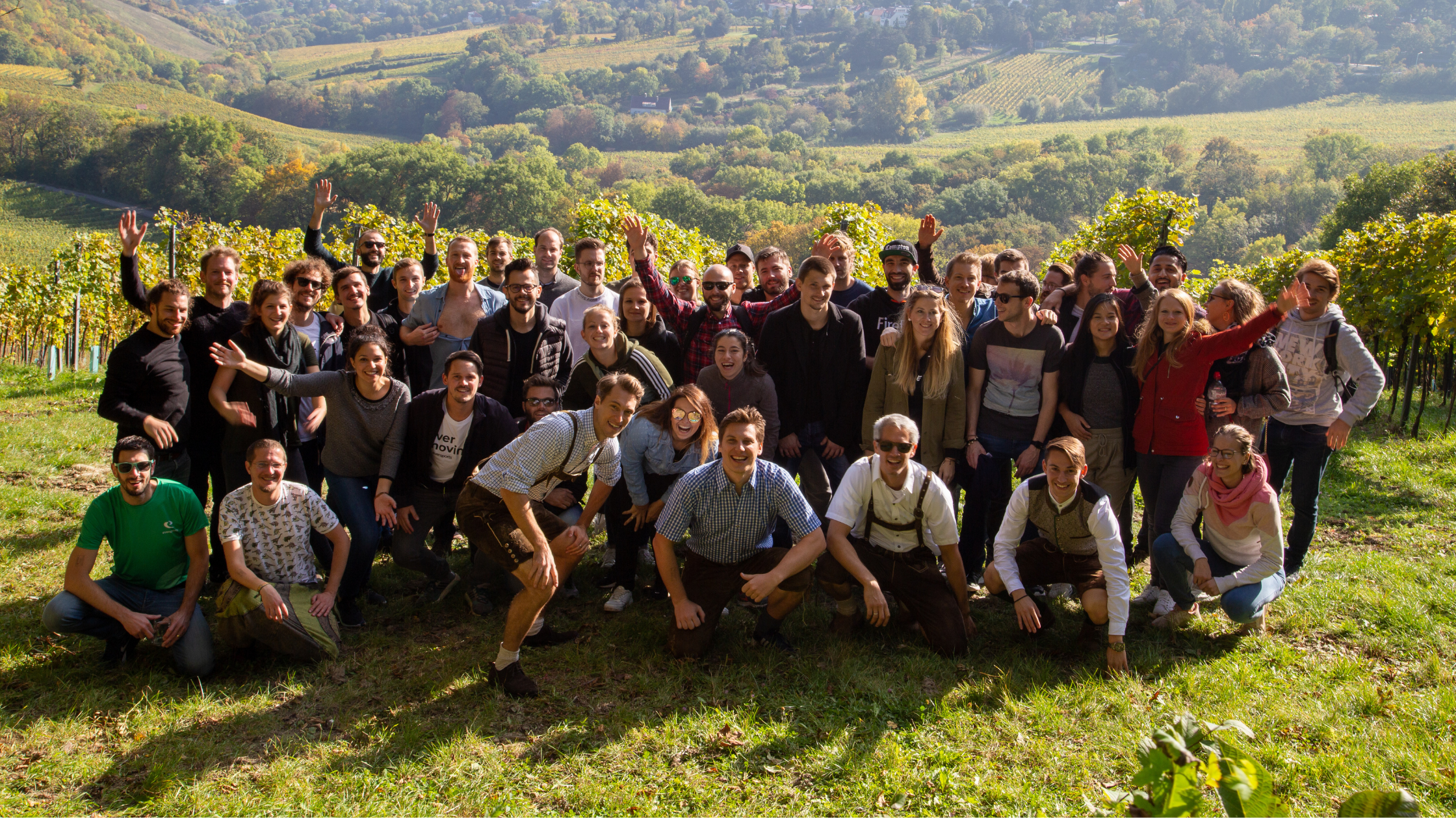Groepsfoto van het Eversports team tijdens een wandeling in Oostenrijk