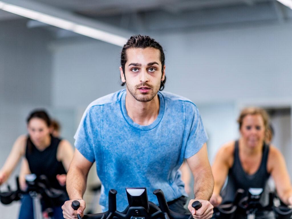 Fitness Studio nach der Lockerung für sein Studio unter Einhaltung der aktuellen Corona Regeln