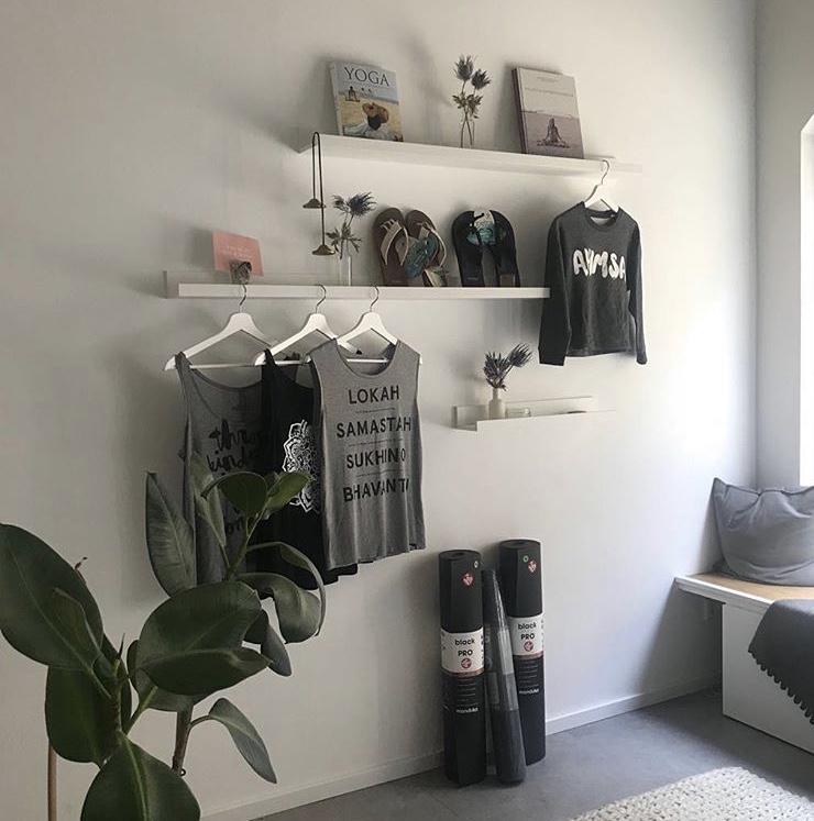 Der kleine, ansprechende Shop bei Yoga 21 in Erlangen