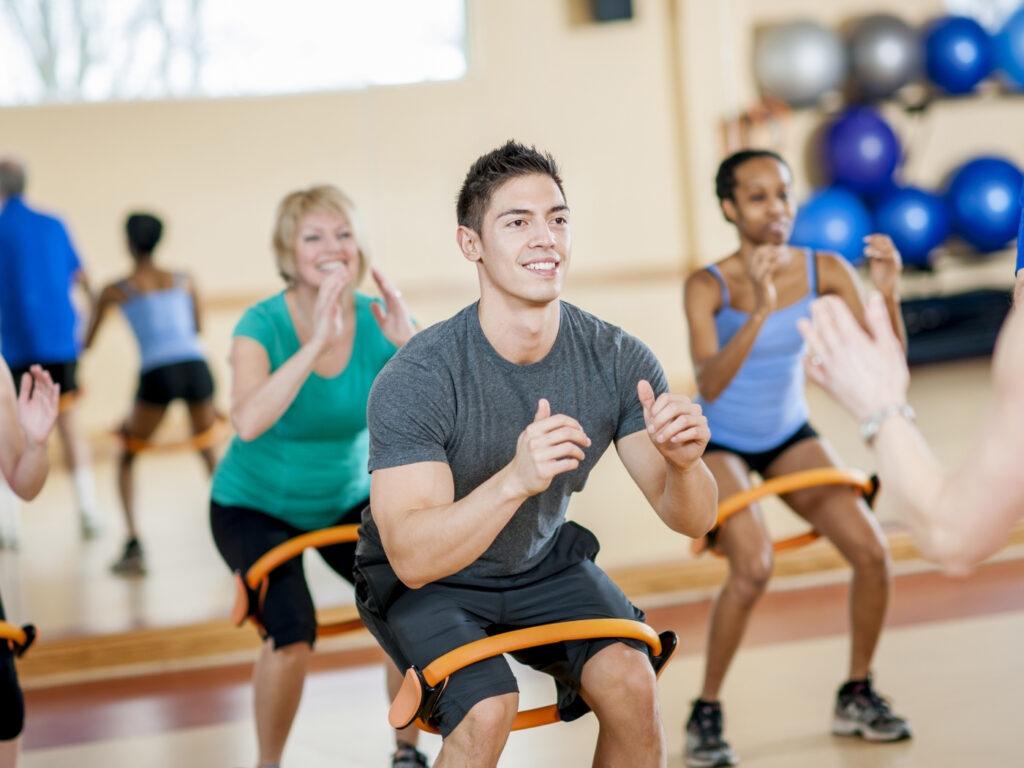 Eigenes Fitness Studio eröffnen: Fitness Kurs in einem Boutique Studio