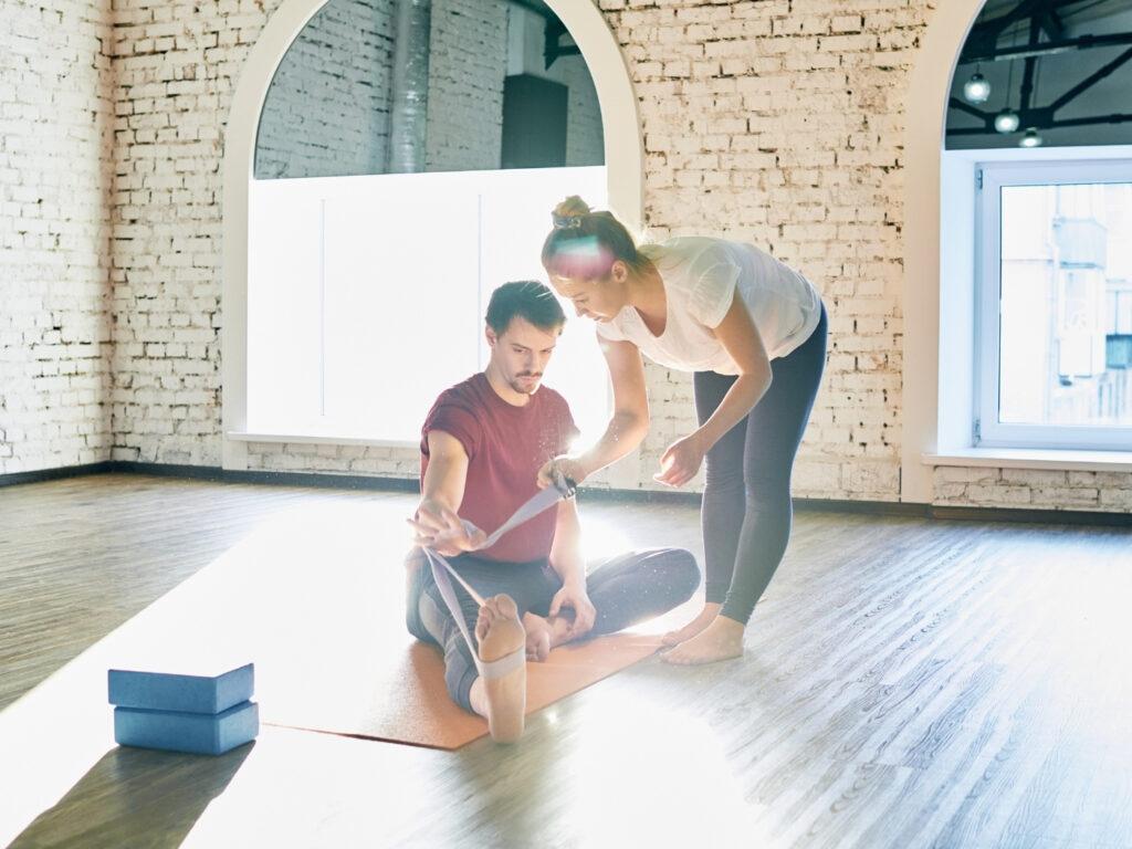 Eigenes Fitness Studio eröffnen: Ausbildung zum Trainer als Voraussetzung vor dem Start