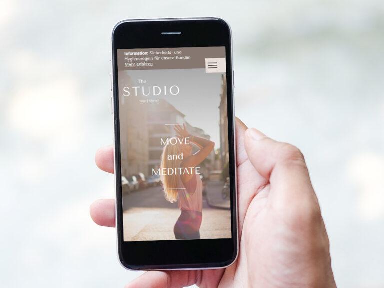 The Studio Yoga Munich mit den Hygieneregeln auf der Website