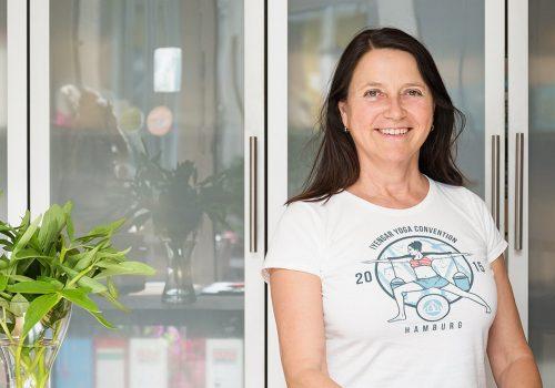 Marina, Studiobesitzerin von Iyengar Yoga Hamburg