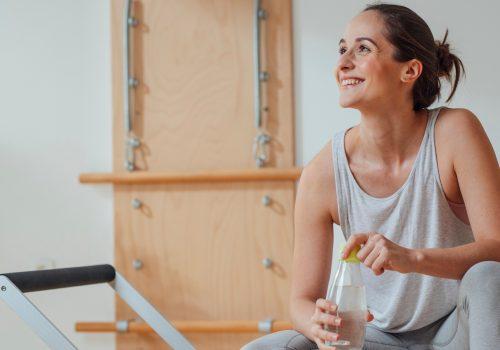 Pilates Trainerin, die ihr eigenes Pilates Studio eröffnen möchte