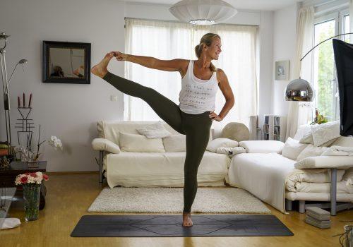 Online Yoga mit Veronika Rössl