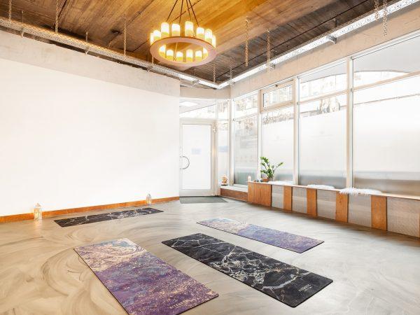 Yoga Studio Atmosphäre