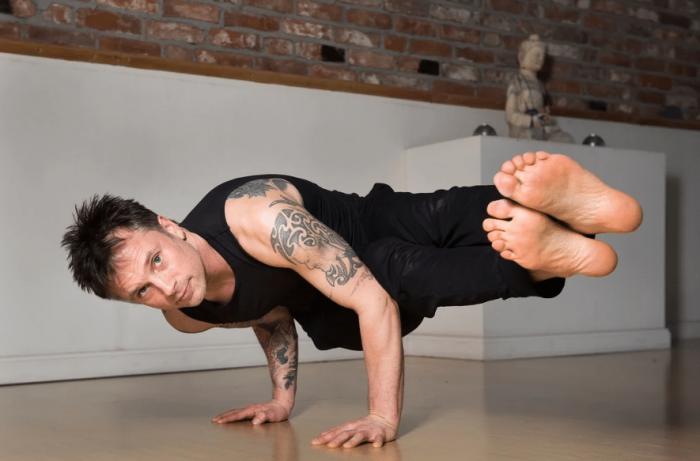 asana yoga marcell guy